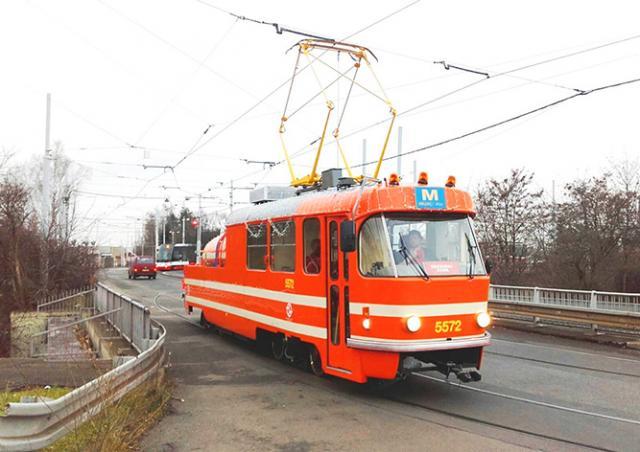 На улицы Праги выйдет рождественский трамвай c веб-камерой