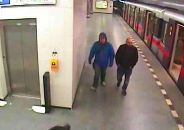 В метро Праги неизвестные обокрали спящего пассажира
