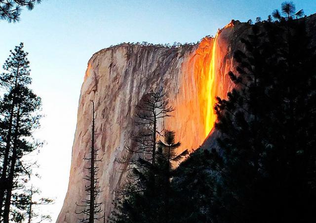 Видео: «огненный водопад» привлек сотни туристов в парк Йосемити