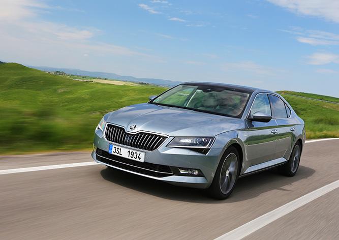 Škoda представила авто, которым можно управлять со смартфона