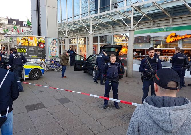 Наехавший налюдей вГейдельберге шофёр оказался гражданином Германии