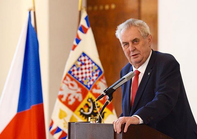 Президент Чехии на русском языке назвал себя «агентом Путина»: видео
