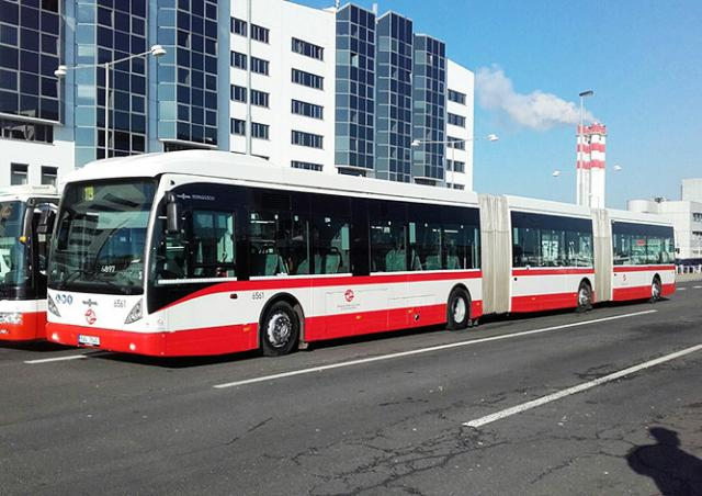 Самый длинный автобус в истории Чехии попал в аварию