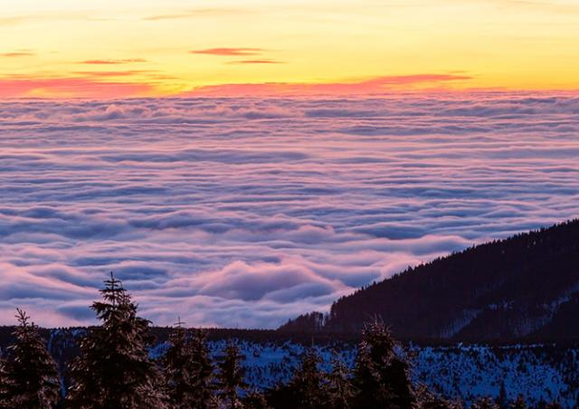 Видео: потрясающие чешские горы в формате time-lapse