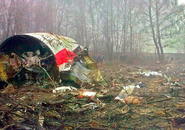Польша обвинила российских диспетчеров в провоцировании крушения Ту-154 Качиньского